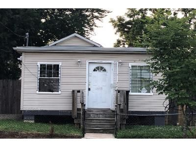 5 Bed 3 Bath Preforeclosure Property in Washington, DC 20019 - 50th Pl NE