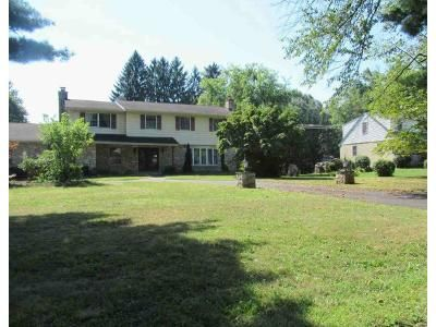 4 Bed 3 Bath Foreclosure Property in Horsham, PA 19044 - Norristown Rd