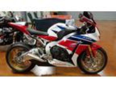 2014 Honda CBR 1000 RR SP