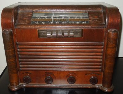 RCA Victor 1941 Table Top Radio Model 28X5 Vintage & Short Wave