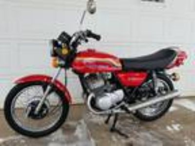 1972 Kawasaki s2 350 Red Edition