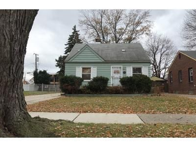 3 Bed 1.0 Bath Preforeclosure Property in Dearborn, MI 48124 - Detroit St