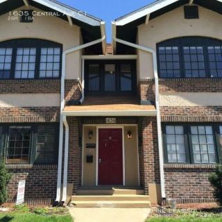 Downtown 2BR Apartment! 1635 Central Ave APT C3