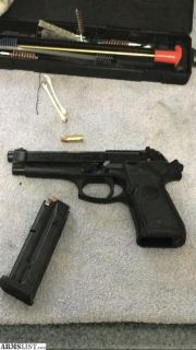 For Sale/Trade: Beretta 92FS like new 9mm