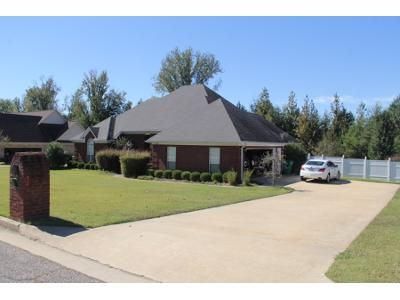 3 Bed 1 Bath Preforeclosure Property in Tupelo, MS 38801 - Valley Vista Dr