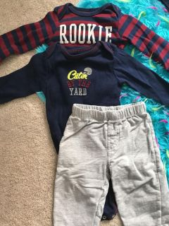 Carters 12 month long sleeved outfits
