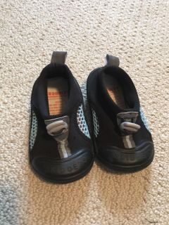 Size 6 Toddler Water Shoes