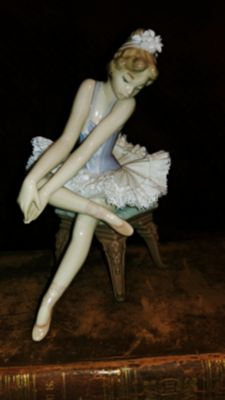 "Lladro "" Opening Night"" Mint Condition w/box"