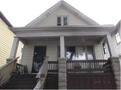 3 Bed 1 Bath Foreclosure Property in Milwaukee, WI 53212 - N Richards St