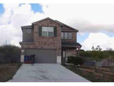 4 Bed 1.5 Bath Foreclosure Property in New Braunfels, TX 78132 - Community Dr