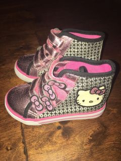 Hello Kitty sz 7 high top style shoes