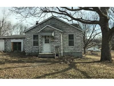 3 Bed 1.5 Bath Foreclosure Property in Scott City, MO 63780 - Scott St