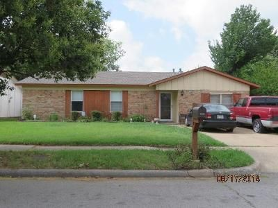 3 Bed 2 Bath Preforeclosure Property in Mesquite, TX 75180 - Duchess Dr