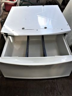 White DRAWER PEDESTAL For a KENMORE Washer And Dryer