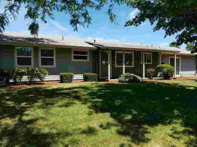 1111 NW Circle Blvd Corvallis Four BR, Convenient NW location!