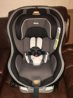 Chicco NextFit Zip Convertible Car Seat- NEW