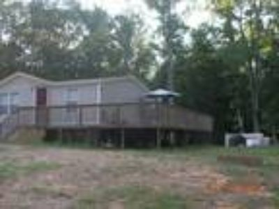 Single Family Home on 8.5 Acres!