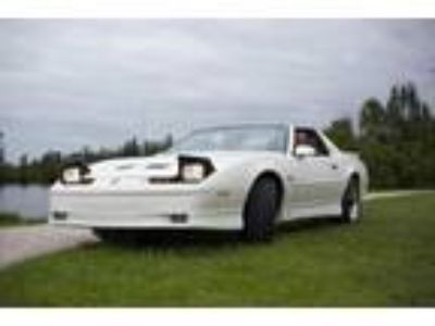 1989 Pontiac TransAm GTA 20th Anniversary Indy 500 Turbo Pace Car
