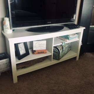 White TV stand w/adjustable shelves, great condition! Only $50!