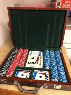 Deluxe Poker Chip & Card Set in Wooden Box