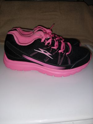 New light weight ladies shoes by Spectrun