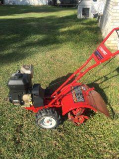 Troybilt rear tine tiller 5.5 hp Briggs Stratton  $ 325.00