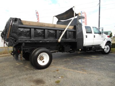 2007 Ford Super Duty F-650 Dump Body Crew Cab XLT (white)