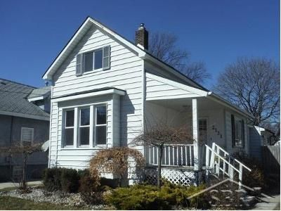 3 Bed 1 Bath Foreclosure Property in Bay City, MI 48708 - 3rd St