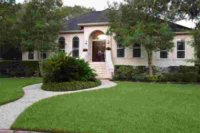 501 Providence Drive FRIENDSWOOD Four BR, Gorgeous custom