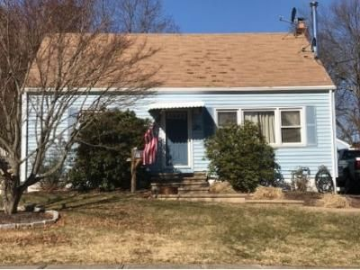2 Bed 1 Bath Foreclosure Property in Milford, CT 06460 - Morris Ln