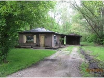 2 Bed 1.5 Bath Foreclosure Property in Michigan City, IN 46360 - W 800 N