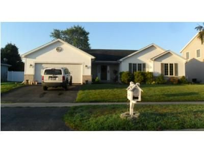 3 Bed 2.5 Bath Foreclosure Property in Swanton, OH 43558 - Cypress Dr
