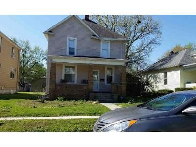 3 Bed 1.5 Bath Foreclosure Property in Fort Wayne, IN 46808 - Greenlawn Ave