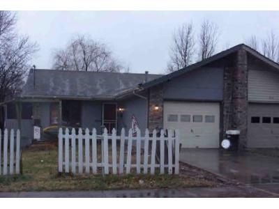 2 Bed 1.5 Bath Foreclosure Property in Springfield, MO 65807 - W Catalpa St