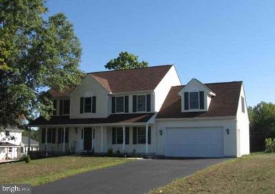 243 Crest Dr SELLERSVILLE, Gorgeous Four BR colonial on