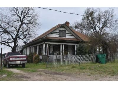3 Bed 2 Bath Foreclosure Property in Walnut Springs, TX 76690 - E Norway St