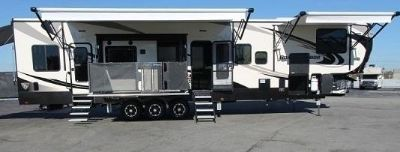 Nice 2016 Heartland Road Warrior Travel Trailer