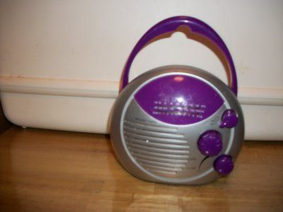 # 1032 SHOWER RADIO AM/FM
