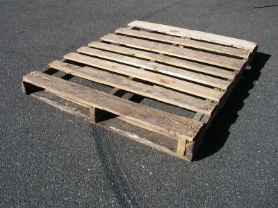 PALLETS, #2 Wood, 48 x 40 4 ways, solid top, euro blocks