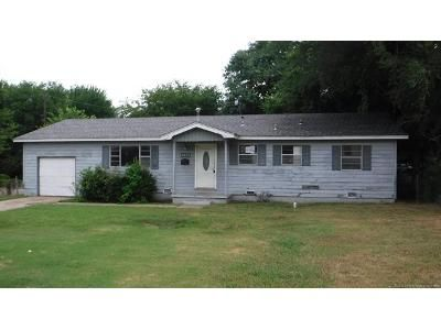 3 Bed 2 Bath Foreclosure Property in Tulsa, OK 74110 - E Tecumseh St
