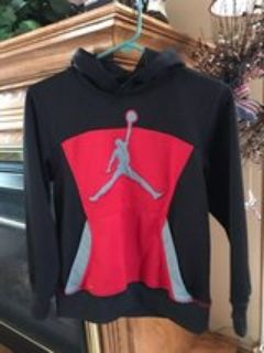 Air Jordan Pullover Sweatshirt, Youth Large