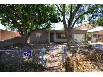 2 Bed 1 Bath Foreclosure Property in Albuquerque, NM 87104 - Iris Rd NW