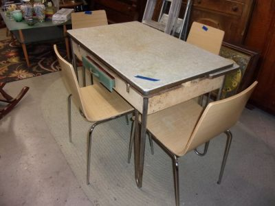 Vintage Chrome Leg Table