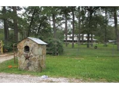 3 Bed 2 Bath Foreclosure Property in Dayton, TX 77535 - County Road 6497
