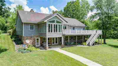 15474 East Road Effingham, Gorgeous 4-Six BR home