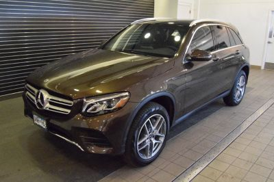 2018 Mercedes-Benz GLC (brown)