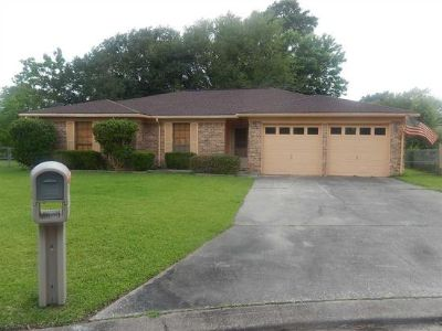 $800, 3br, Cute one story house in a cul de sac off Wooten Road.