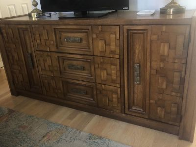 Gorgeous Broyhill buffet/TV stand