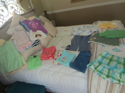 Girls size 4T pants sets, shorts sets, skirt sets, jeans, dresses, tops...31 pieces