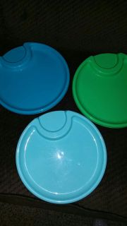 6 Pampered Chef plastic plates